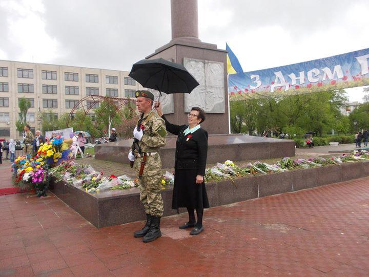 """Порошенко поздравил матерей: """"Вы воспитываете патриотов, которые творят новую историю Украины"""" - Цензор.НЕТ 9163"""