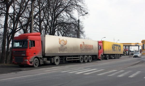 РФ запретила движение украинских грузовиков по своей территории