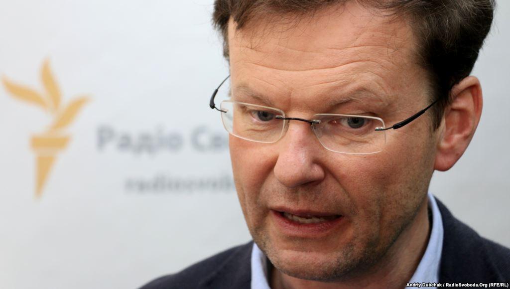 Предложившего снять санкции с РФ депутата Рады лишили гражданства Украины