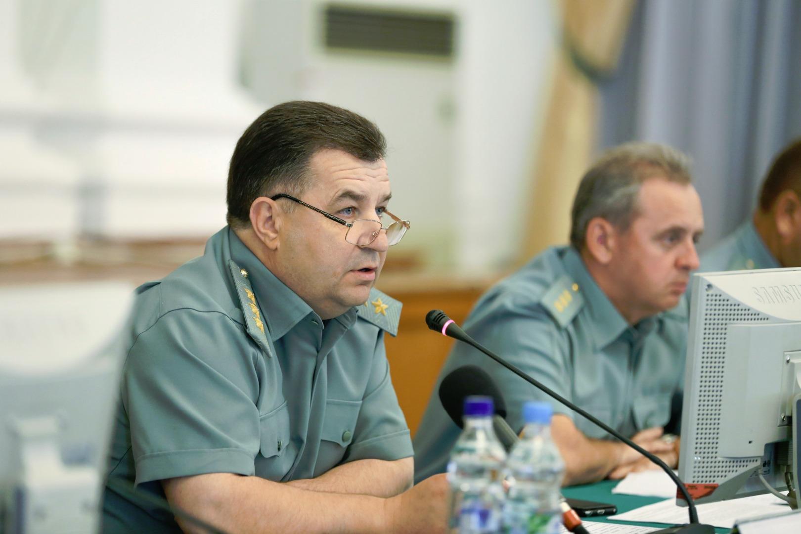 20:12 Полторак подписал приказ о компенсации за съем жилья для военных