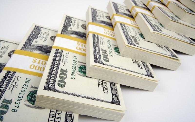 В Туркмении ввели запрет на продажу иностранной валюты населению