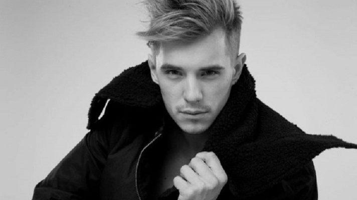 12:05 Украинский певец из-за России отказался от участия в Новой волне