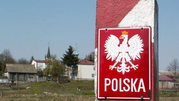 Польша не хочет восстанавливать упрощенный режим пересечения границы сРоссией