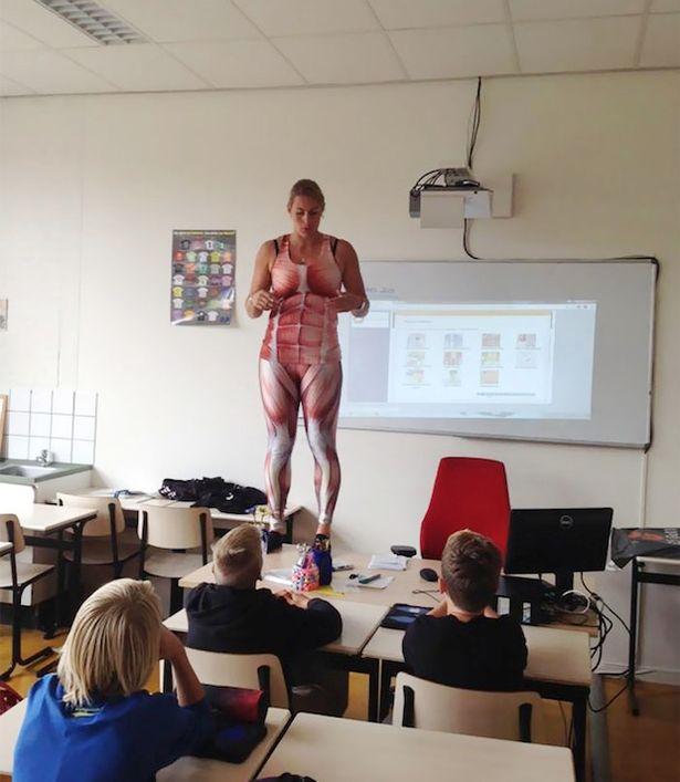 Ученики разделись перед учительницей фото видео фото 366-79