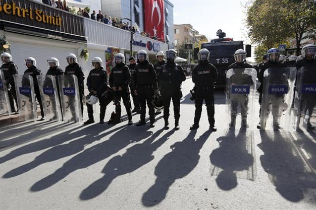 ВТурции милиция захватила кабинеты 2-х оппозиционных телевизионных каналов