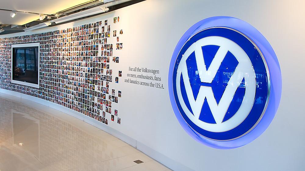 13:22 Volkswagen угрожает рекордный в истории автопрома иск от инвесторов