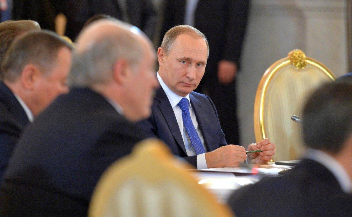 Кремлевский фюрер с Новым годом не поздравил Порошенко и Эрдогана