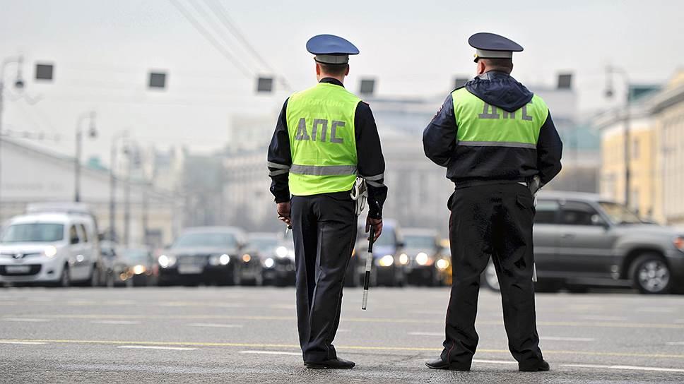СМИ: в Москве мажор «поставил на счетчик» сотрудника ГИБДД