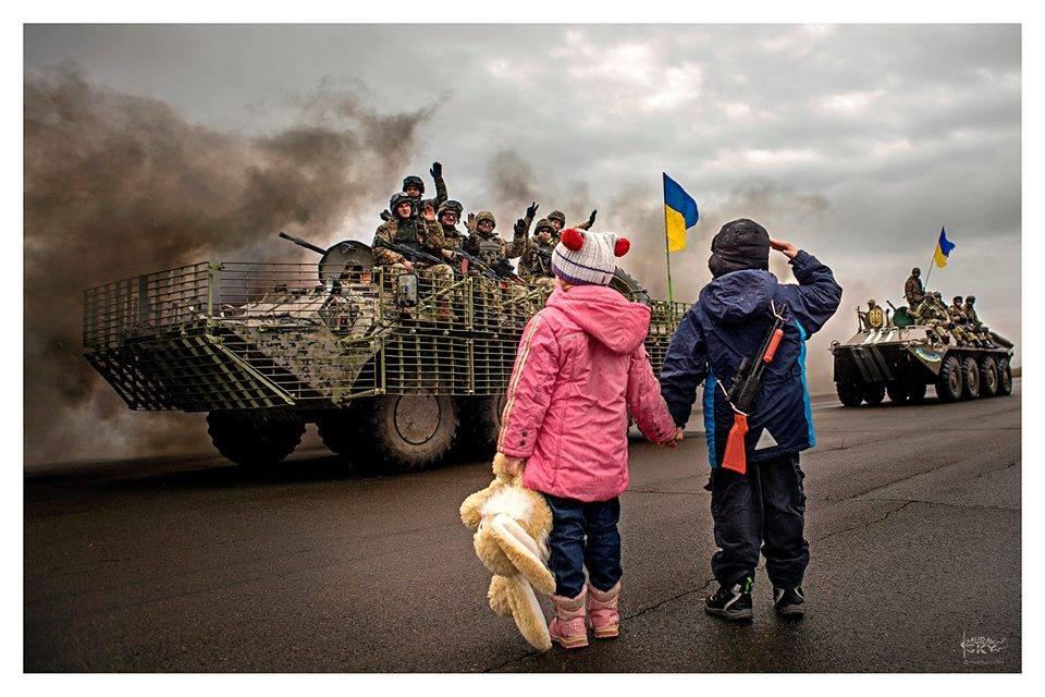 Нацгвардия с первых дней формирования стала на передовом рубеже борьбы за независимость Украины, - Порошенко - Цензор.НЕТ 3624