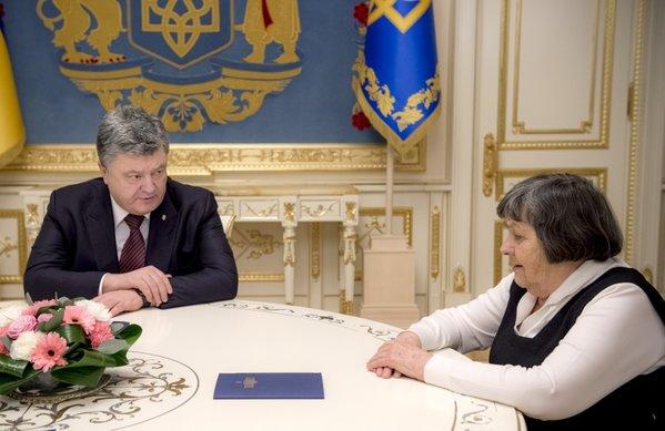 Савченко пригрозила голодовкой вслучае затягивания еедела