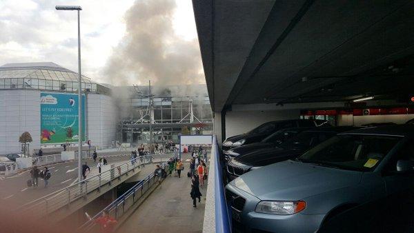 Ваэропорту Брюсселя прогремели два взрыва