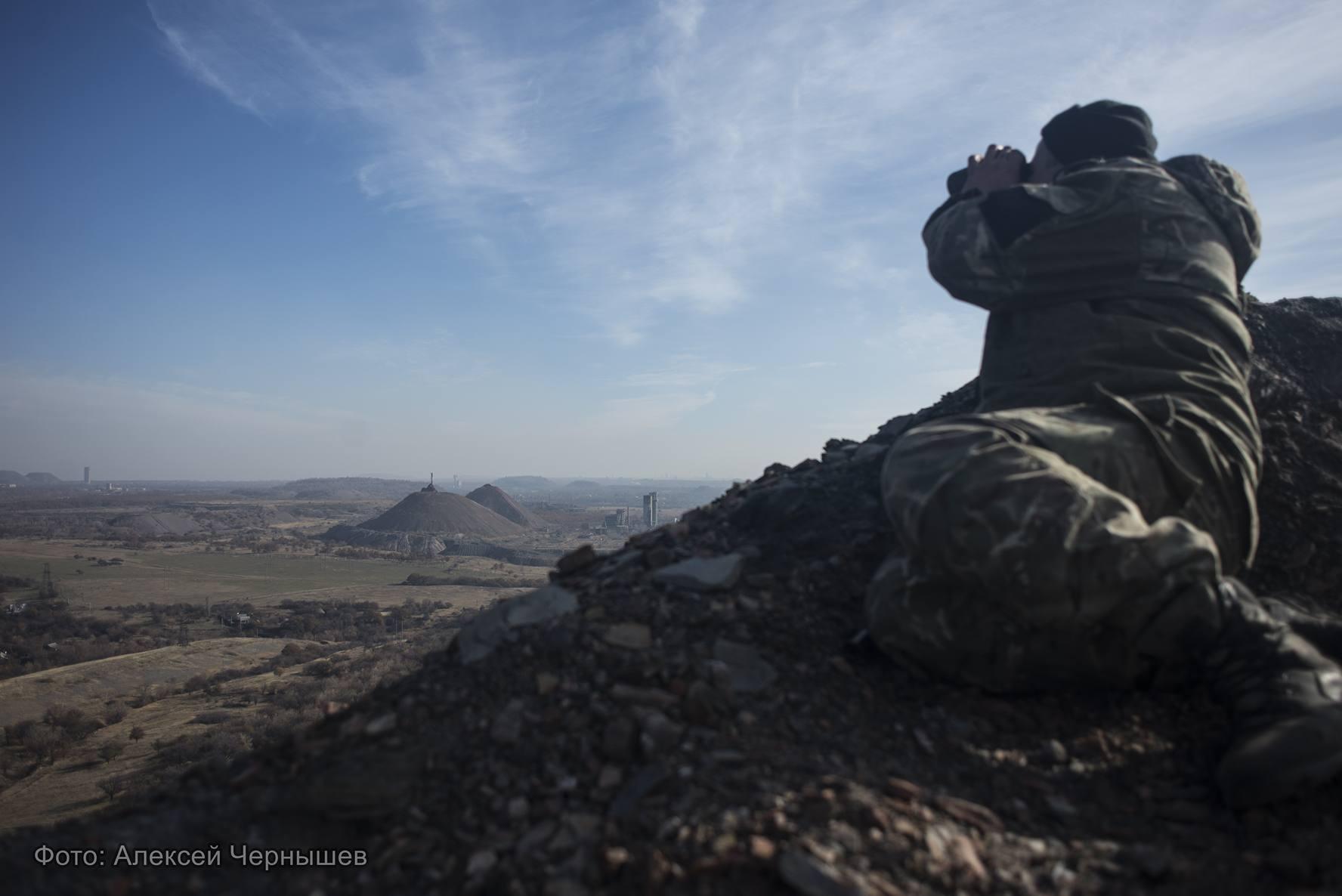 Украинский снайпер всерьез испугал боевиков под Марьинкой