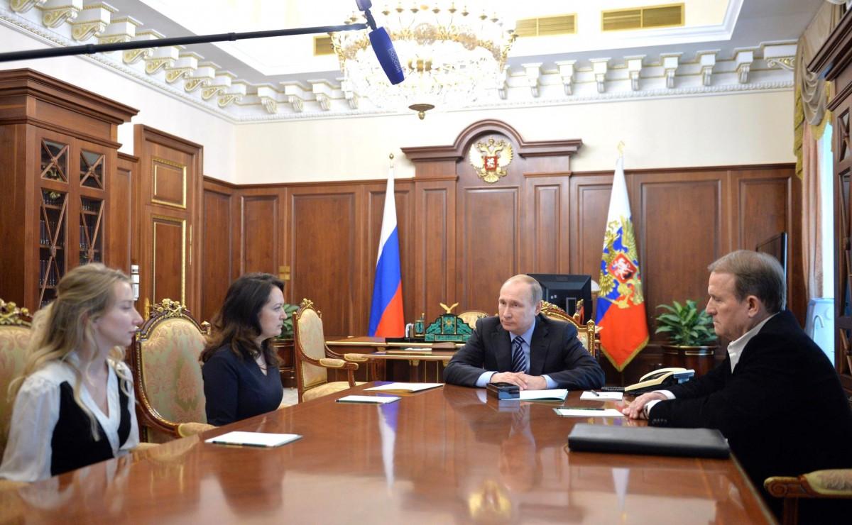 Кремль засветил Медведчука— Обмен Савченко
