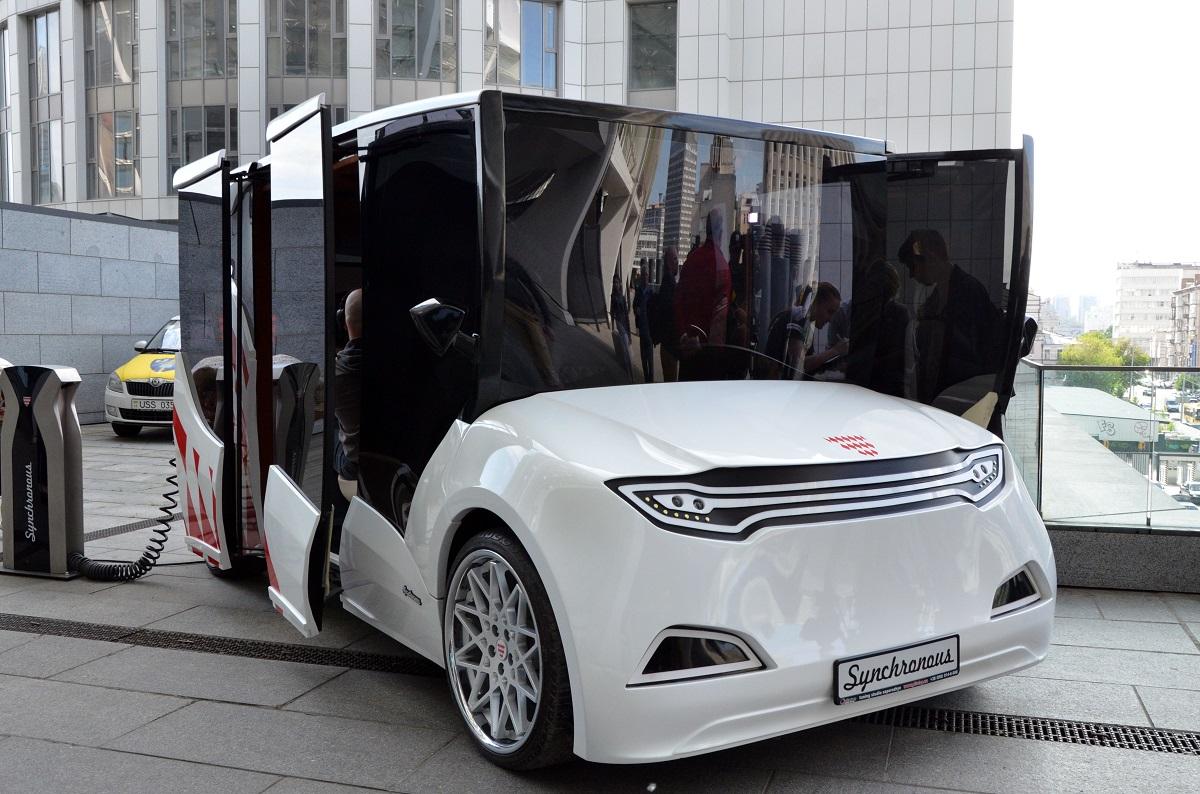 17:03 by Info Resist В Киеве представили прототип украинского электромобиля Synchronous