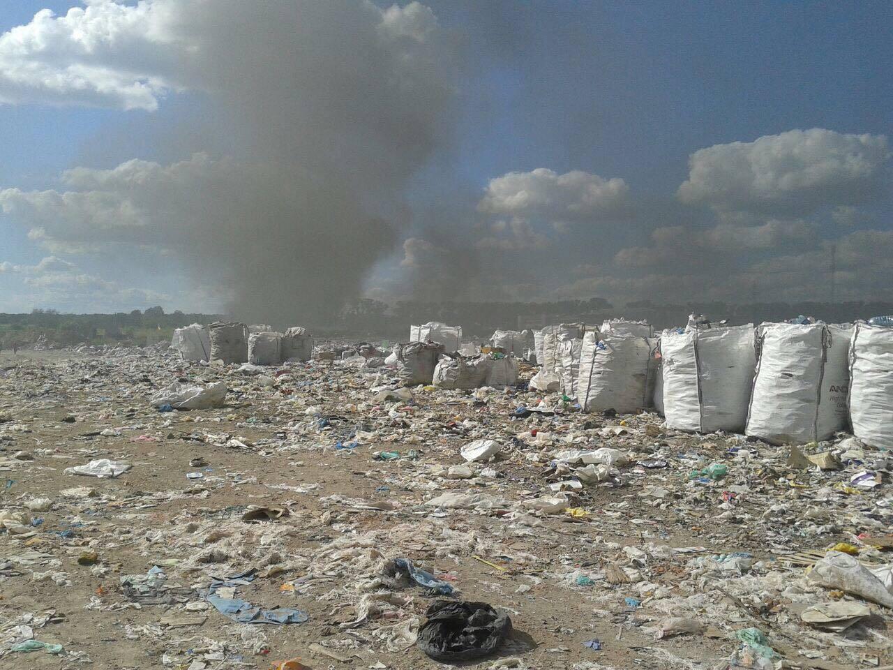 ВКиевской области загорелась свалка, куда свозили сор соЛьвова