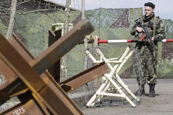 Награнице сКрымом планируют установить противотанковые ежи