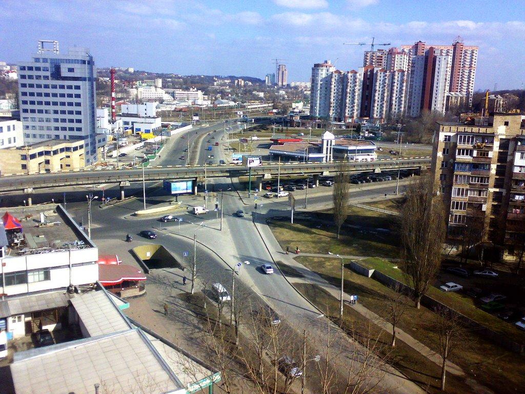 ВКиеве доконца весны ограничат движение нанескольких дорогах