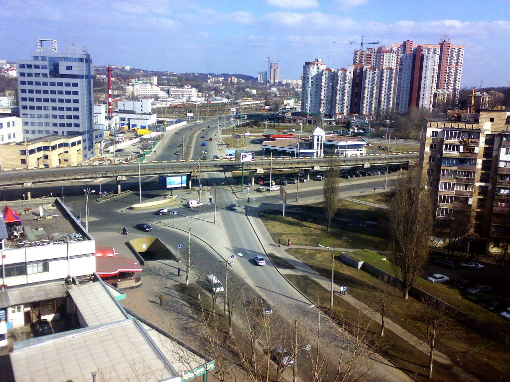 ВКиеве наулице Ивана Миколайчука из-за ремонта дороги ограничат движение