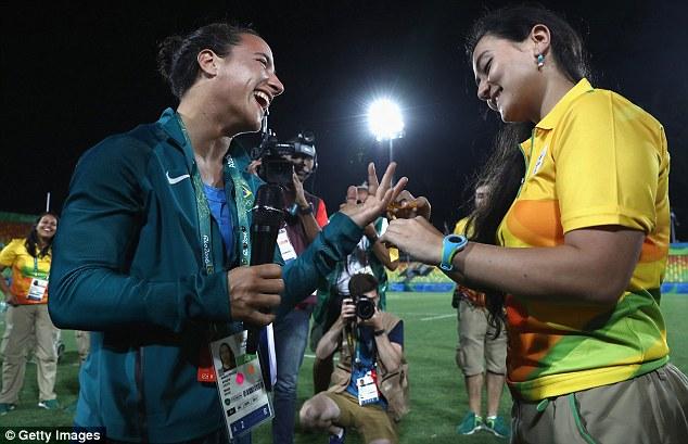 НаОлимпиаде бразильская регбистка получила предложение руки исердца от собственной девушки