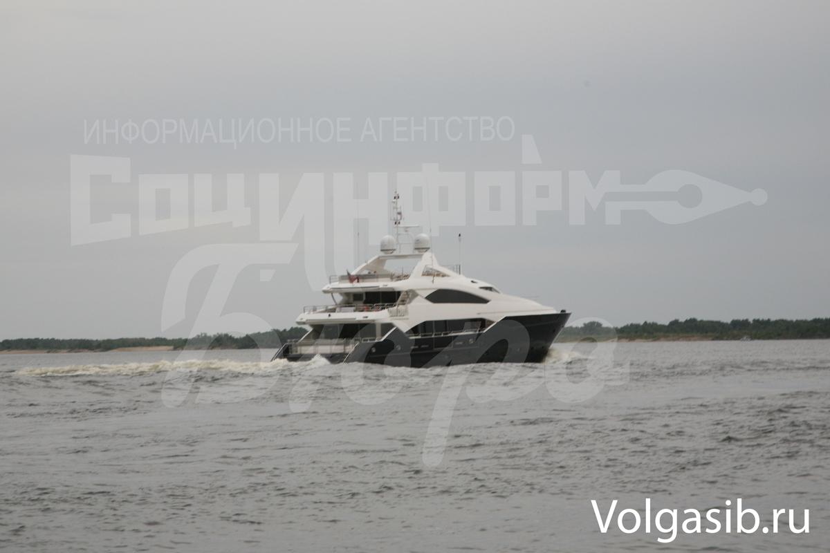 Янукович требует, чтобы его допросили