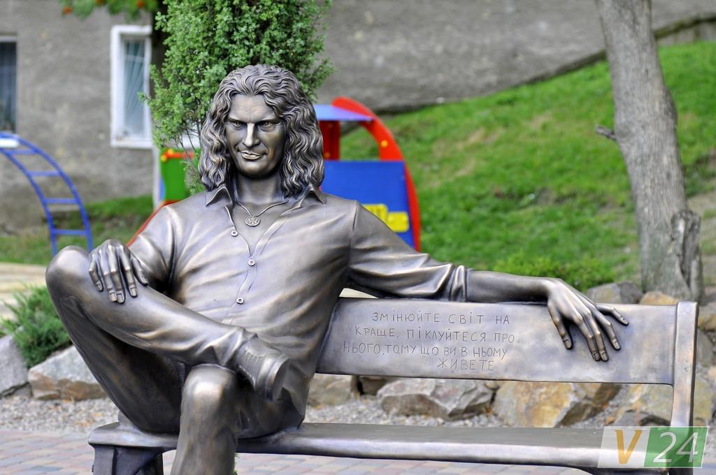ВЛуцке установили новый монумент музыканту Кузьме «Скрябину»