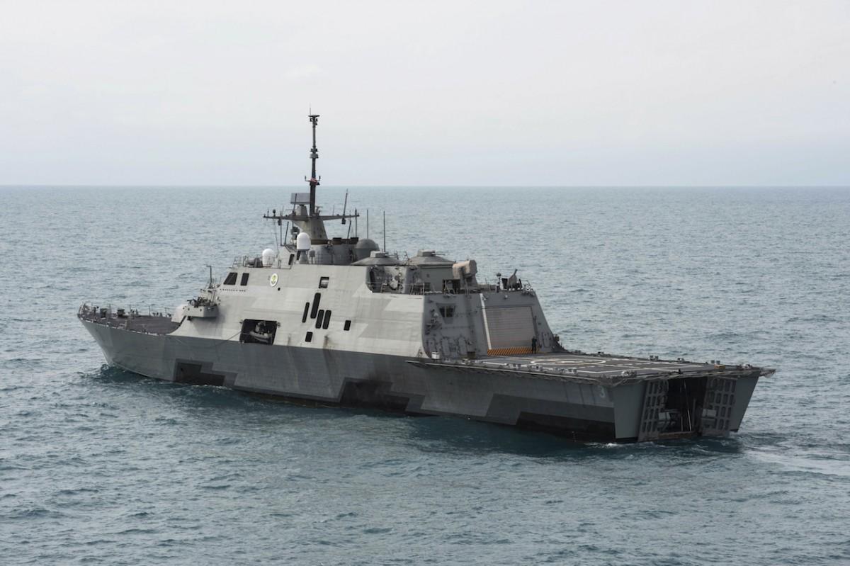 Иранские баркаса потревожили эсминец США, Пентагон вгневе— рискованная близость