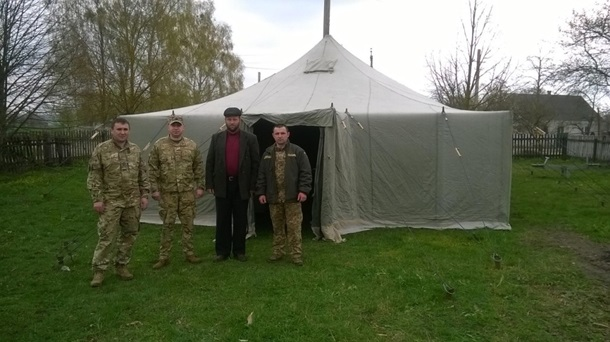 «Правый сектор» и сотрудники Киевского патриархата захватили храм вКутах