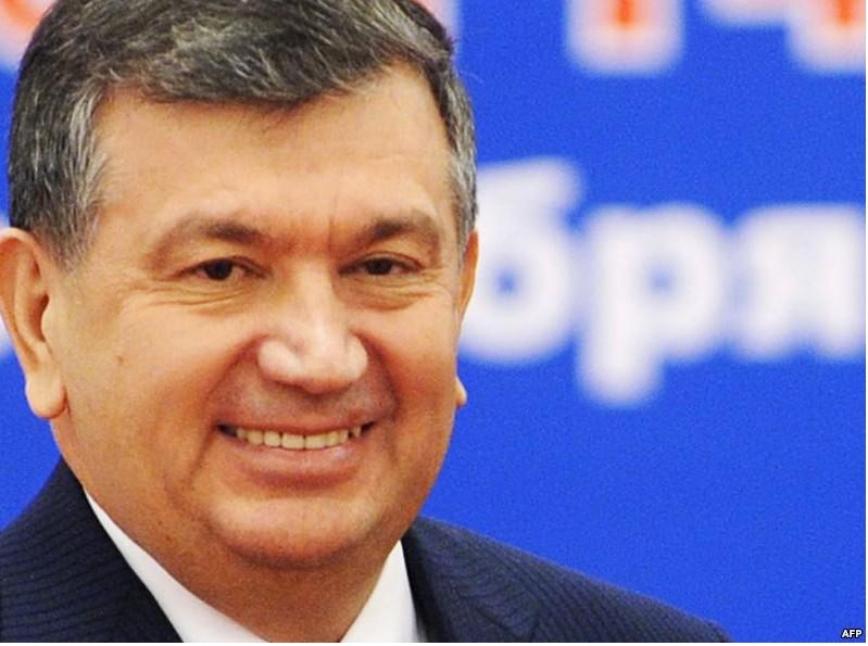 Готовятся прощаться: вСамарканде ожидают прибытия самолета стелом Каримова