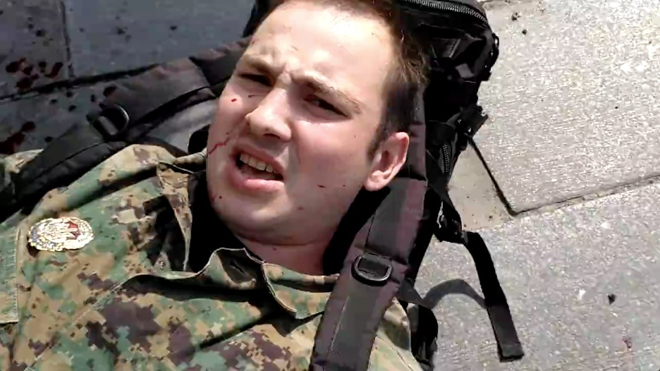 ВКиеве неизвестный восемь раз ударил ножом молодого человека ввоенной форме