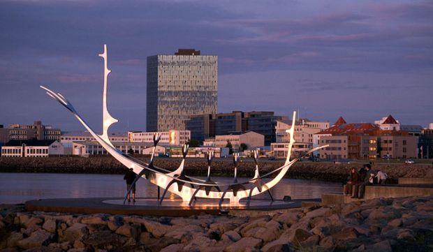 ВИсландии охотники нашли меч викингов Xвека