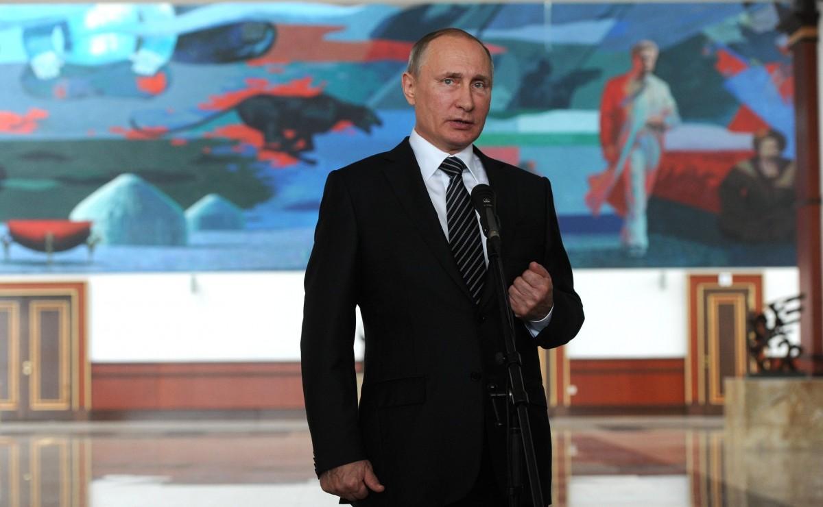 Путин клянется, что желает видеть независимую исильную Украинское государство