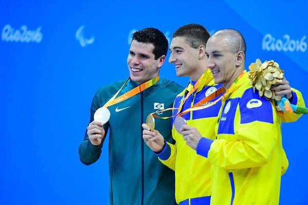 Пловец Дубров стал двукратным чемпионом Паралимпиады