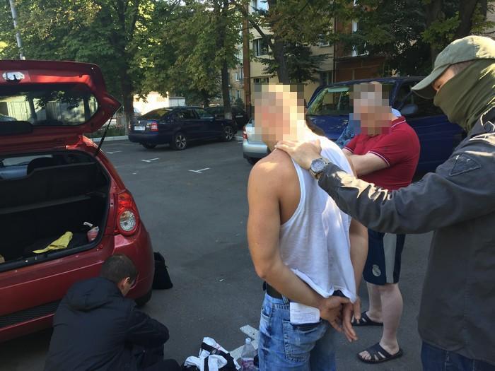 ВХарькове навзятке поймана инспектор разрешительной системы милиции