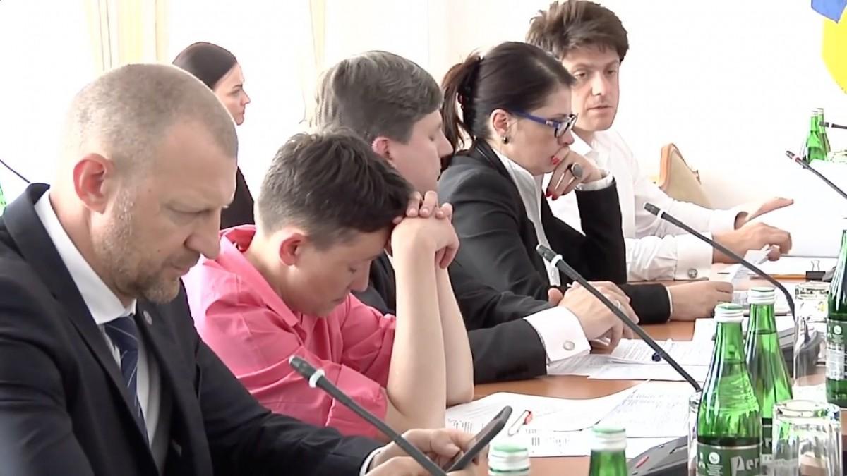 Савченко устроила скандал на совещании комитета по задачам нацбезопасности иобороны
