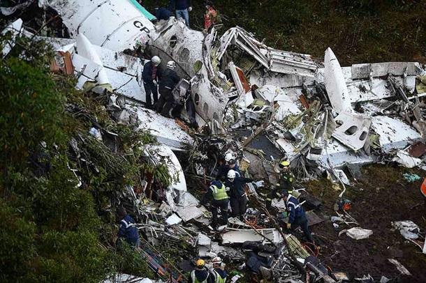 Пилот разбившегося вКолумбии самолета перед падением проинформировал онехватке топлива