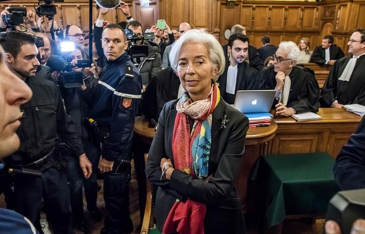 Руководитель МВФ Лагард сегодня предстанет перед судом пообвинению вхалатности