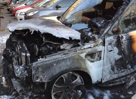 Одесскому депутату-бомжу сожгли автомобиль— Последнее отобрали