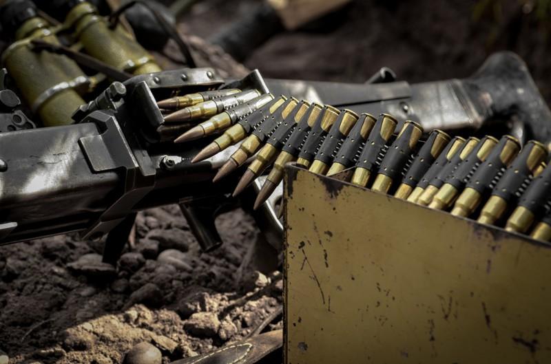 Обстрелы неутихают нинаодном направлении, 6 военных ранены