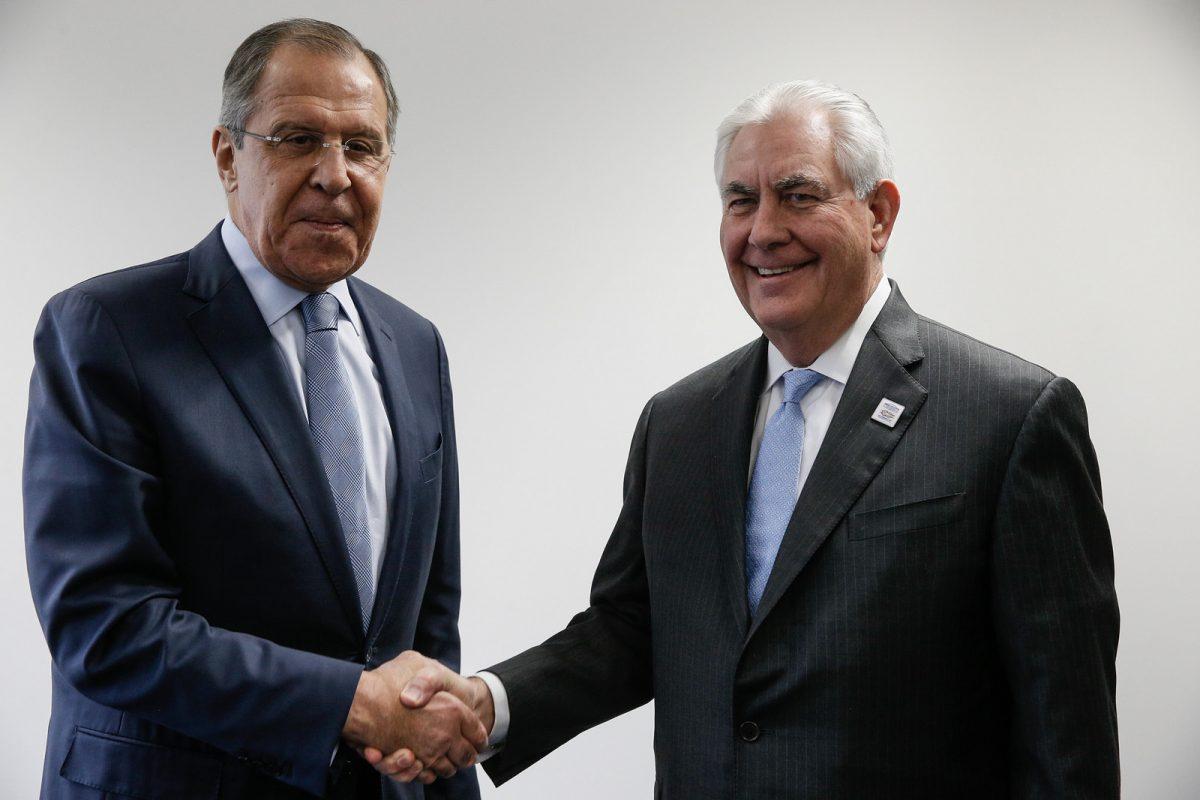 Тиллерсон на встрече с Лавровым: Россия должна выполнять Минск