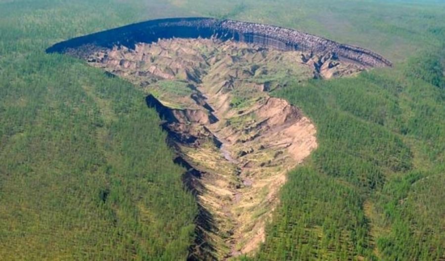 Ученые сообщили остремительном увеличении гигантского кратера вСибири