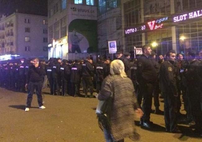 Неменее 20 человек пострадали впроцессе акции протеста вБатуми