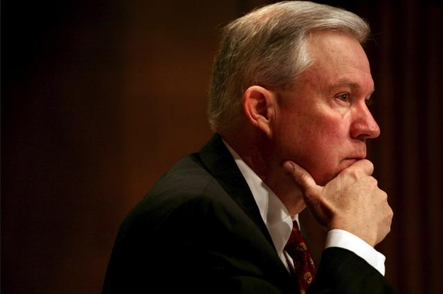 Американцы хотят отправить генпрокурора в отставку – за ложь о контактах с послом России