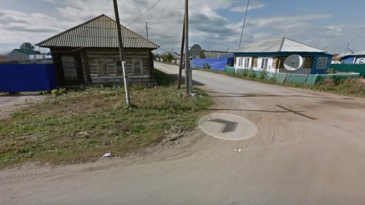 Заброшены целые деревни: В Сети показали видео сравнения сел Украины и России