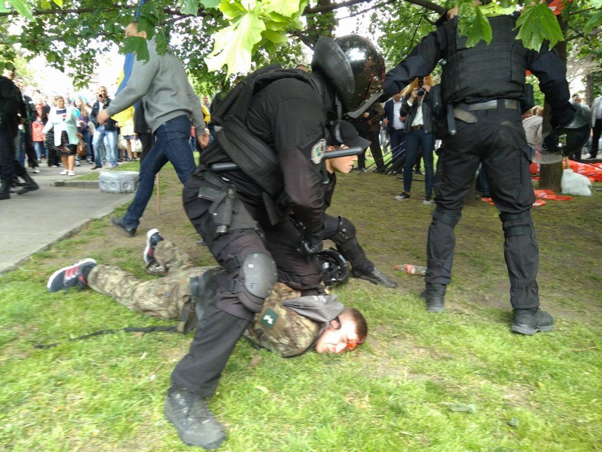 Полиция в Одессе задержала женщину с провокационными листовками - Цензор.НЕТ 4623