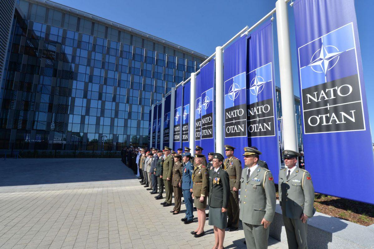 НАТО выражает протест Венгрии из-за Украины