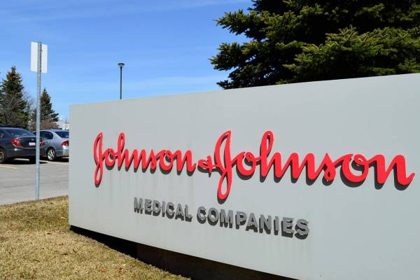 Заболевшая раком американка отсудила у«Johnson & Johnson» $110 млн