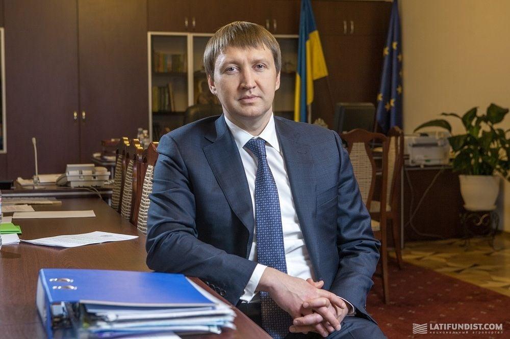 В Минобороны России даже теоретически не допускают войну с Украиной