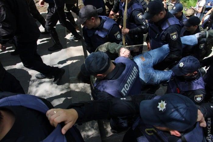 В Одессе на Аллее Славы произошло несколько стычек между патриотами и «куликовцами»
