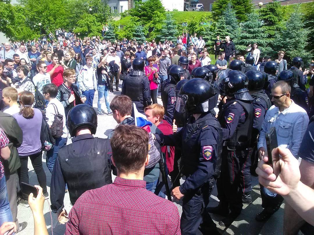День России: Страну захлестнула волна масштабных протестов
