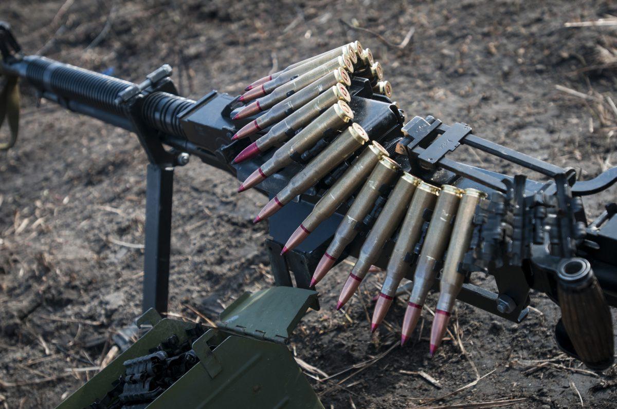 Боевики 24 раза обстреляли позиции ВСУ с употреблением тяжелых минометов иБМП